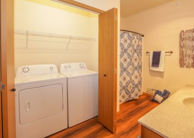 TA Int 1bd Bathroom with view of Laundry Model 207 240dpi